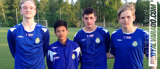 Det är många bra matcher som har spelats denna onsdag. Tidigare idag  spelade Göteborgs Distriktslag F-98 och P-98 matcher mot Västergötland på  Tånga IP. 050a1cecdeb07